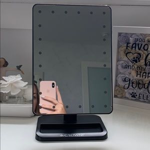 Crown Pro | Battery Powered Makeup Mirror